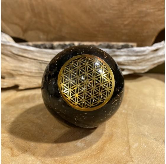 Sphère d'Orgonite Tourmaline avec fleur de vie - 5 cm